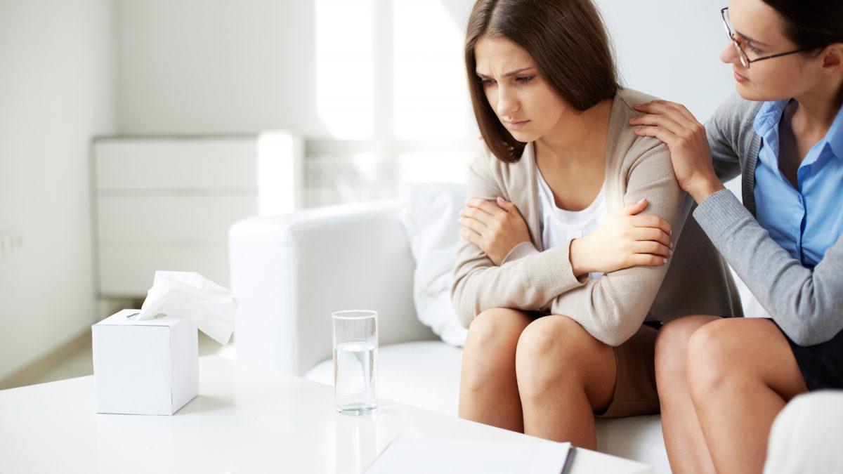 Психолог с пациент с депресия